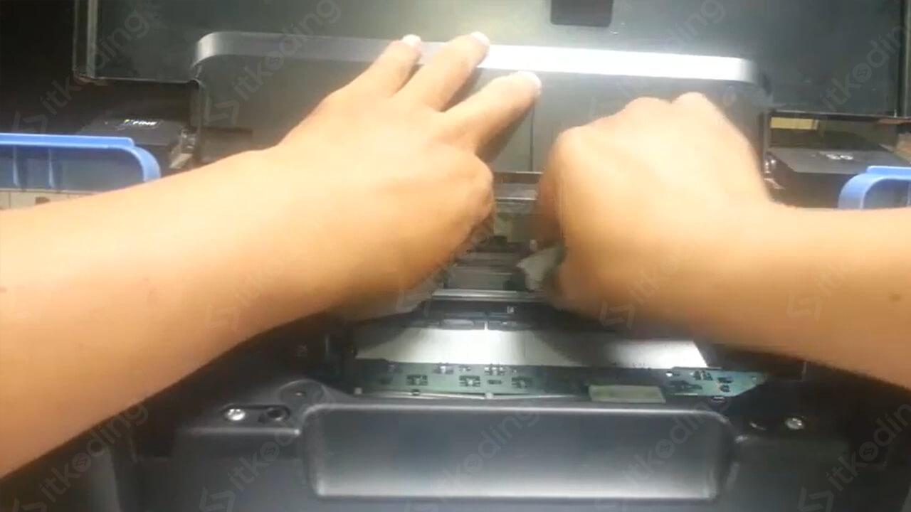 Pembersihan pita encoder pada printer canon